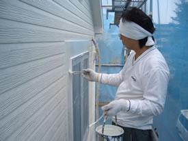 ケイカル窓枠の中塗り